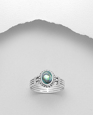 473-2465 - 925 Sterling Silver Ring Decorated With Shell