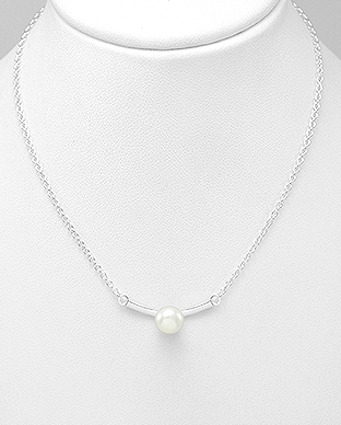 382-3615 - 925 Sterling Silver Necklace Decorated With Fresh Water Pearl