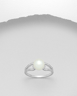 382-4476 - 925 Sterling Silver Ring Decorated With CZ And Fresh Water Pearl