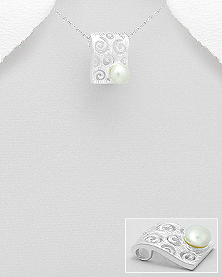 382-4484 - 925 Sterling Silver Pendant Decorated With Fresh Water Pearl