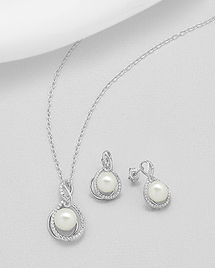 382-4986 - 925 Sterling Silver Set of Earrings And Pendant Decorated With CZ And Fresh Water Pearls