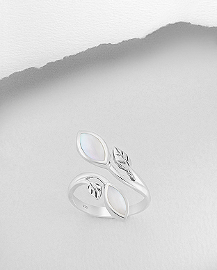 789-3681 - 925 Sterling Silver Adjustable Ring Featuring Leaf Decorated With Shell