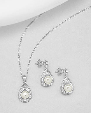 382-5191 - 925 Sterling Silver Set of Push-Back Earrings And Pendant Decorated With Fresh Water Pearls And CZ