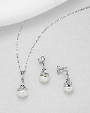 382-5237 - 925 Sterling Silver Set of Push-Back Earrings And Pendant Decorated With Fresh Water Pearls And CZ