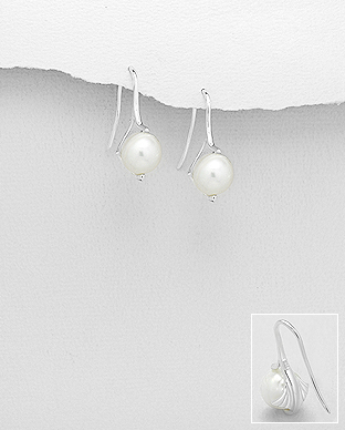 382-5242 - 925 Sterling Silver Hook Earrings Featuring Leaf Decorated With Fresh Water Pearls