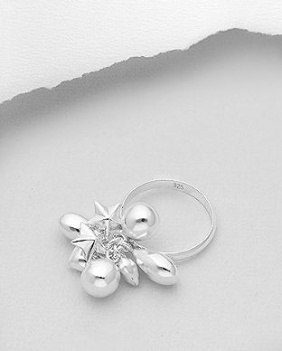 706-29524 - 925 Sterling Silver Ring Featuring Ball, Heart And Star Charm