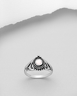 789-3868 - 925 Sterling Silver Oxidized Ring Decorated With Shell
