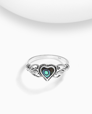 789-3881 - 925 Sterling Silver Oxidized Ring Featuring Heart And Leaf Decorated With Shell