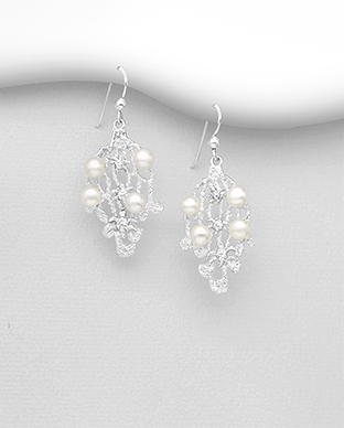 382-5323 - 925 Sterling Silver Hook Earrings Decorated With Fresh Water Pearls