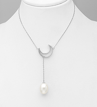 382-5343 - 925 Sterling Silver Necklace Featuring Moon Decorated With Fresh Water Pearl