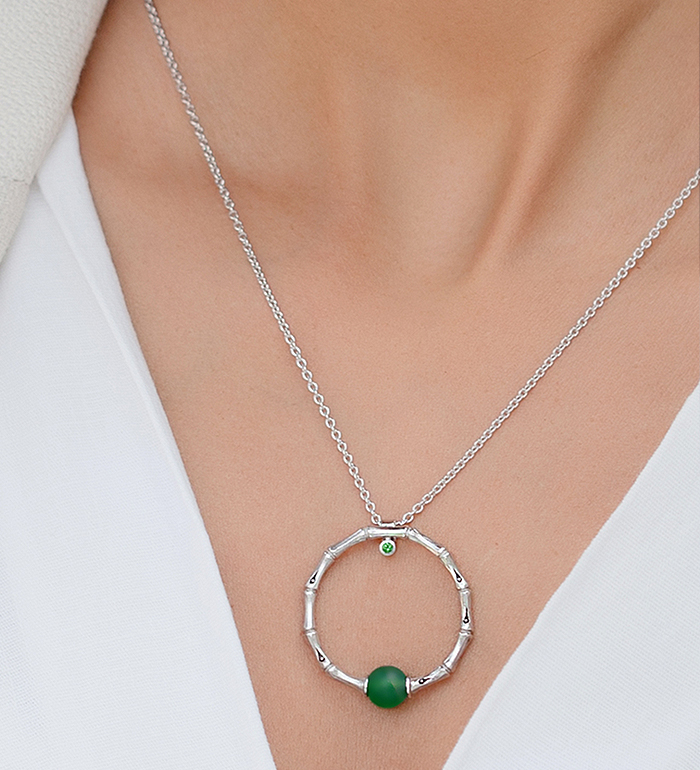 33-0006 - Italian Craftmanship - Circle of Life Bamboo Necklace in Sterling Silver, Decorated with Green Carnelian and Tsavorite