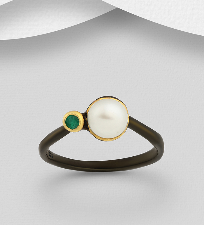 1916-25 - ADIORE JEWELS - 925 Sterling Silver Ring Decorated with Freshwater Pearl and Emerald, Plated with 3 Micron 22K Yellow Gold and Black Rhodium