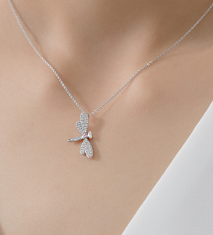 33-0036 - Dragonfly Necklace in 18K White Gold, Decorated with Diamonds.