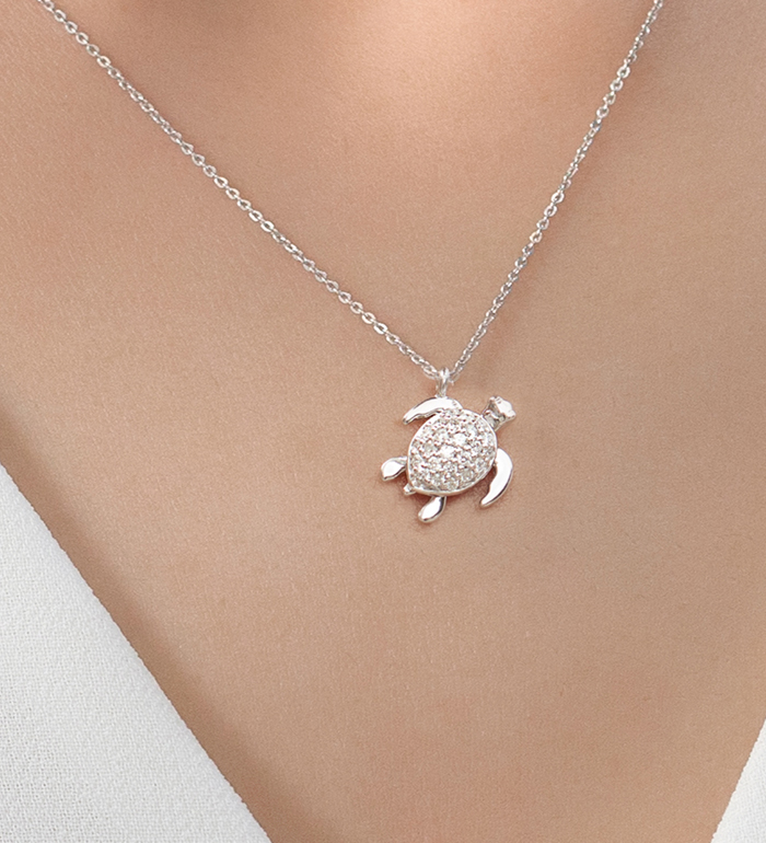 33-0109 - Turtle Necklace in 18K White Gold, Decorated with Diamonds