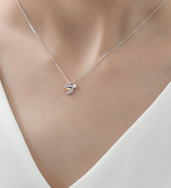 33-0112 - Ladybug Necklace in 18K White Gold, Decorated with Diamonds