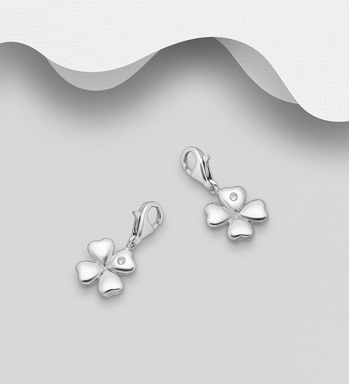 983-819 - 925 Sterling Silver Clover Charm Decorated With CZ