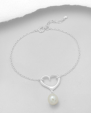 382-4104 - 925 Sterling Silver Heart Bracelet Decorated With Fresh Water Pearl