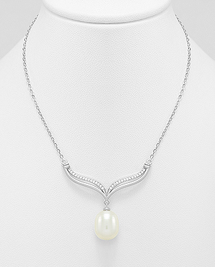 382-4760 - 925 Sterling Silver Necklace Decorated With CZ And Fresh Water Pearl
