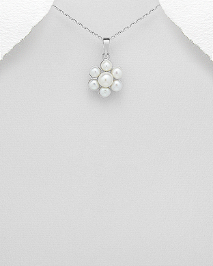 382-4921 - 925 Sterling Silver Pendant Decorated With Fresh Water Pearls