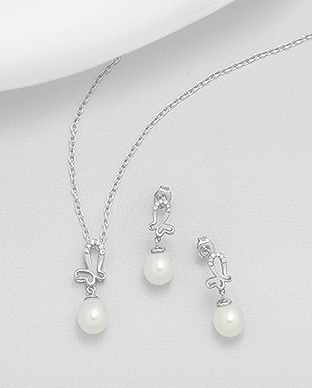382-5001 - 925 Sterling Silver Butterfly Set of Earrings And Pendant Decorated With CZ And Fresh Water Pearls