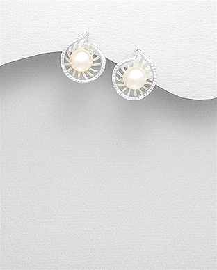 382-5021 - 925 Sterling Silver Push-Back Earrings Decorated With Fresh Water Pearls