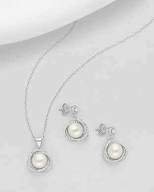 382-5195 - 925 Sterling Silver Set of Push-Back Earrings And Pendant Decorated With Fresh Water Pearls And CZ