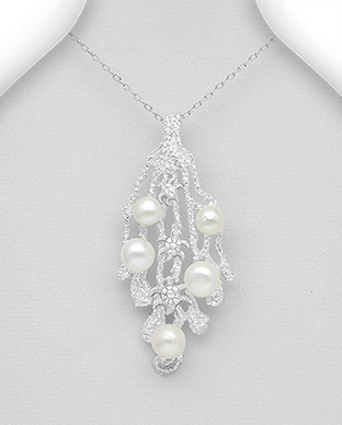 382-5321 - 925 Sterling Silver Pendant Decorated With Fresh Water Pearls
