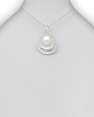 382-5333 - 925 Sterling Silver Pendant Decorated With Fresh Water Pearl