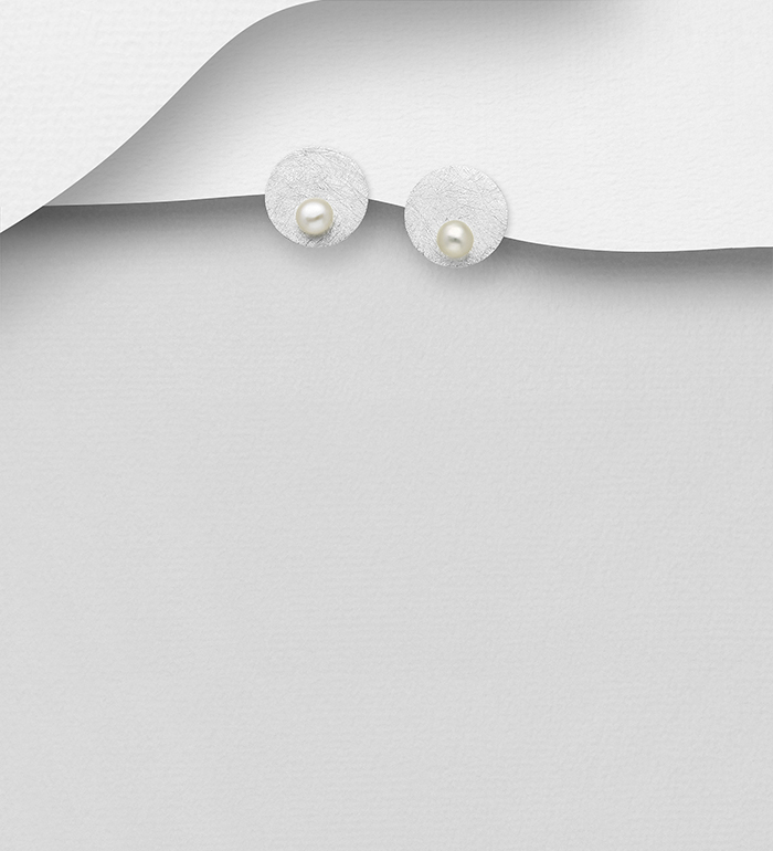 382-5479 - 925 Sterling Silver Matt Round Push-Back Earrings Decorated with Freshwater Pearls