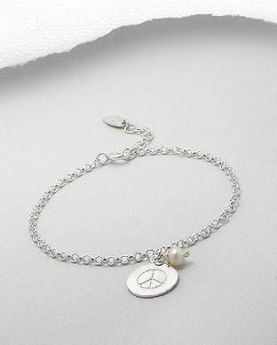 706-12199 - 925 Sterling Silver Bracelet ฺFeaturing Peace Symbol Charm Beaded with With Fresh Water Pearl