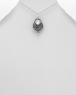 789-3818 - 925 Sterling Silver Oxidized Pendant Decorated With Shell
